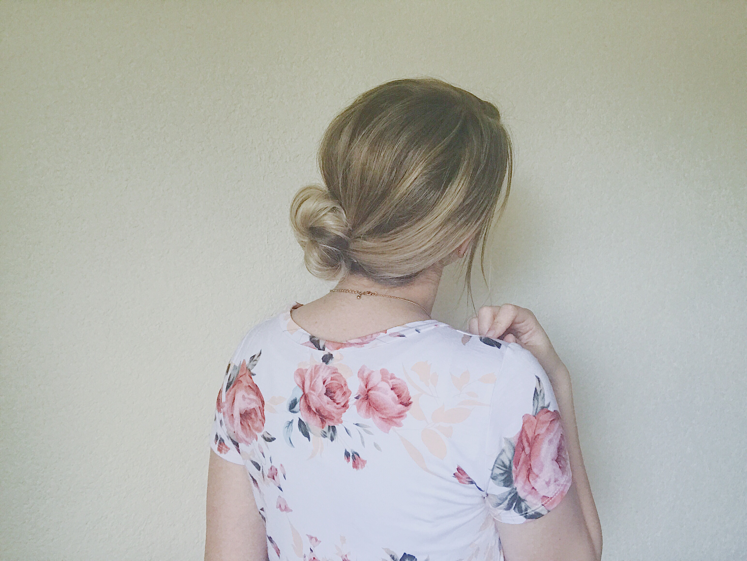 How to easy and chic low bun
